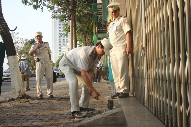 Đà Nẵng dỡ bỏ nhiều chướng ngại trên vỉa hè - ảnh 7