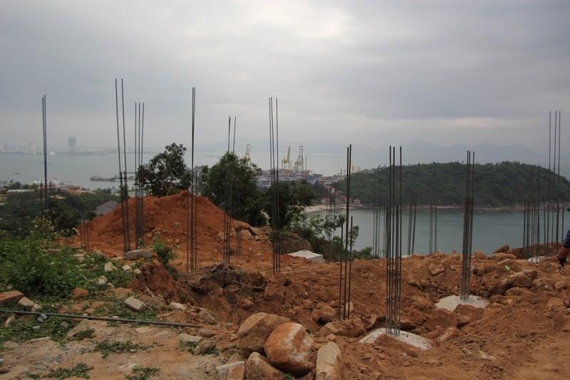 Yêu cầu đập bỏ 40 móng biệt thự tại Sơn Trà - ảnh 2