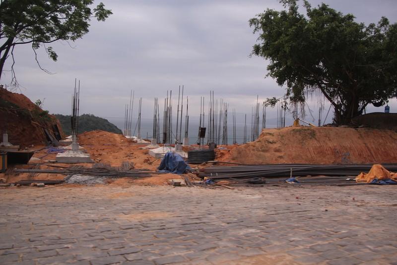 Yêu cầu đập bỏ 40 móng biệt thự tại Sơn Trà - ảnh 1