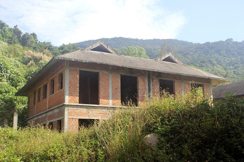 Hàng chục biệt thự cực đẹp bị bỏ hoang tại Sơn Trà - ảnh 1