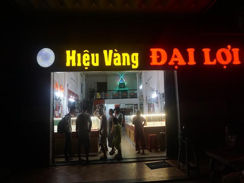 Bắt gọn sinh viên cướp tiệm vàng tại Đà Nẵng - ảnh 1