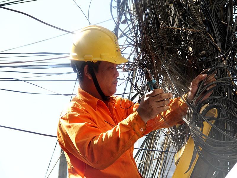 Viễn thông Đà Nẵng vi phạm cáp treo nhiều nhất - ảnh 1
