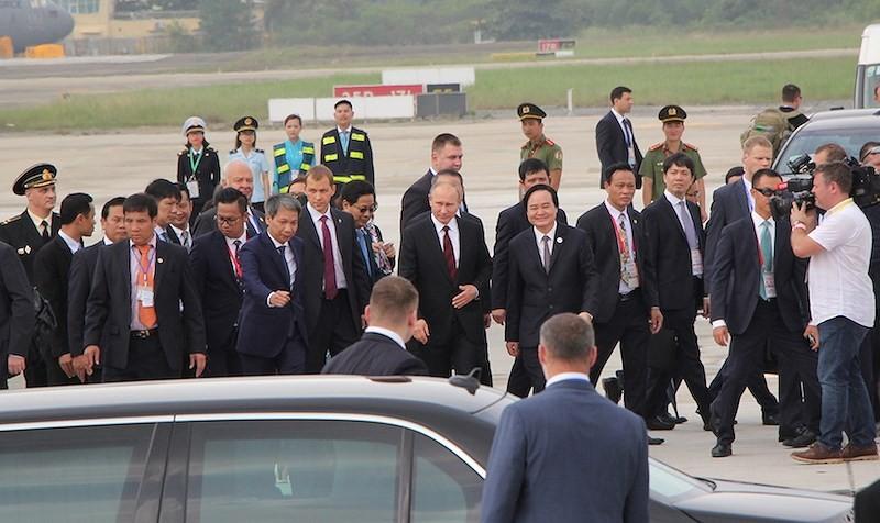 Dấu ấn phong cách của lãnh đạo các nền kinh tế APEC - ảnh 9