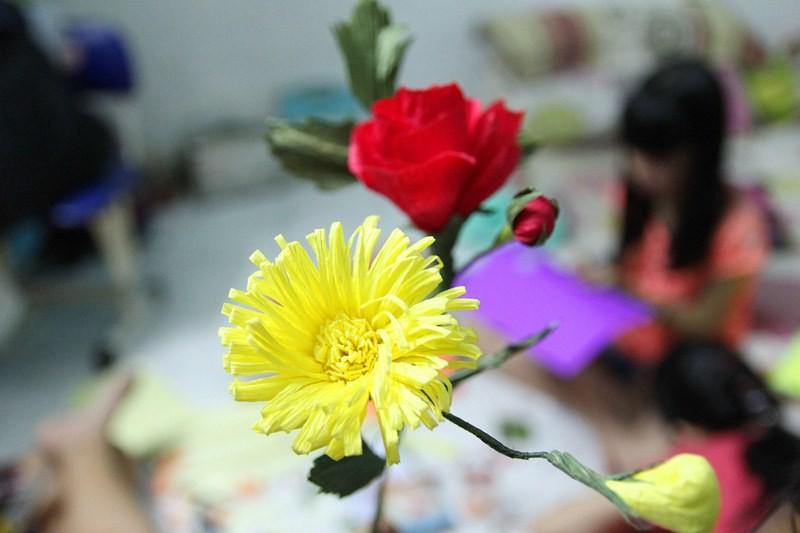 Tự tay làm hoa nhung, thiệp giấy tặng thầy cô - ảnh 2