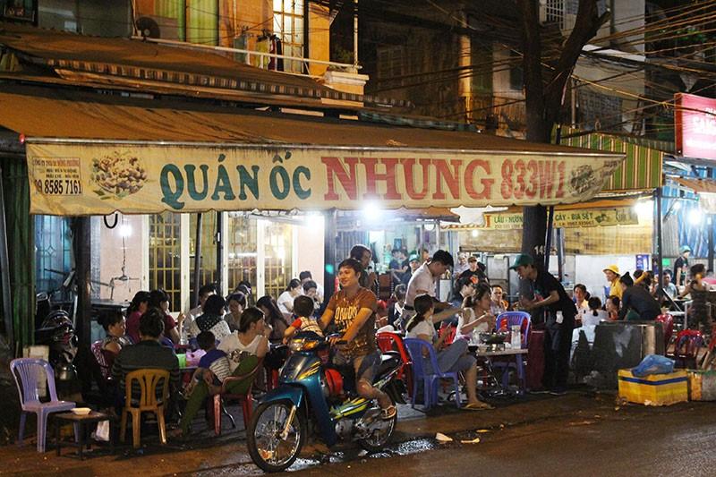 Loạn vỉa hè: Cận cảnh phố ốc Vĩnh Khánh và phố Tây Bùi Viện - ảnh 14