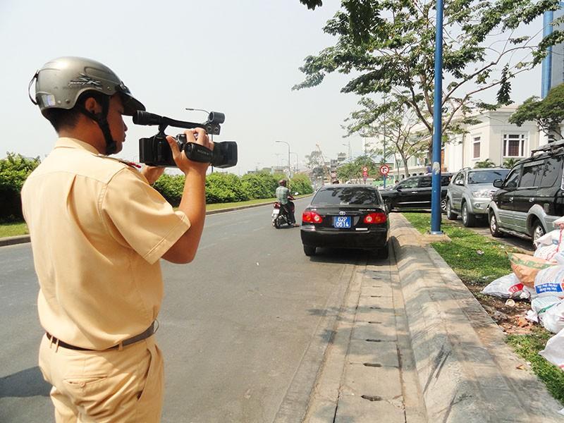 Cảnh sát ghi hình xử phạt vi phạm giao thông như thế nào? - ảnh 1