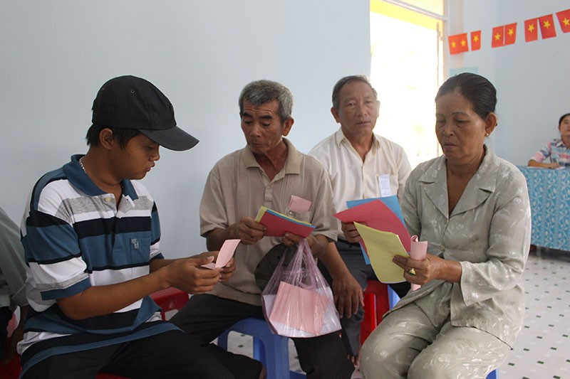 Dân xã đảo Thạnh An dậy từ khuya, bận đồ đẹp để đi bầu cử - ảnh 10