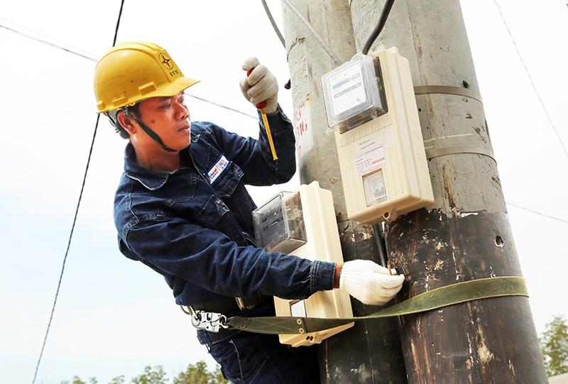 Sự cố đường dây 500KV, cúp điện tại nhiều khu vực ở TP.HCM - ảnh 1