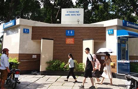 Nhà vệ sinh công cộng sạch sẽ tại Công viên Lê Văn Tám.