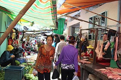 Tiểu thương phấn khởi rời chợ tự phát vào chợ Bình Thới mới - ảnh 4