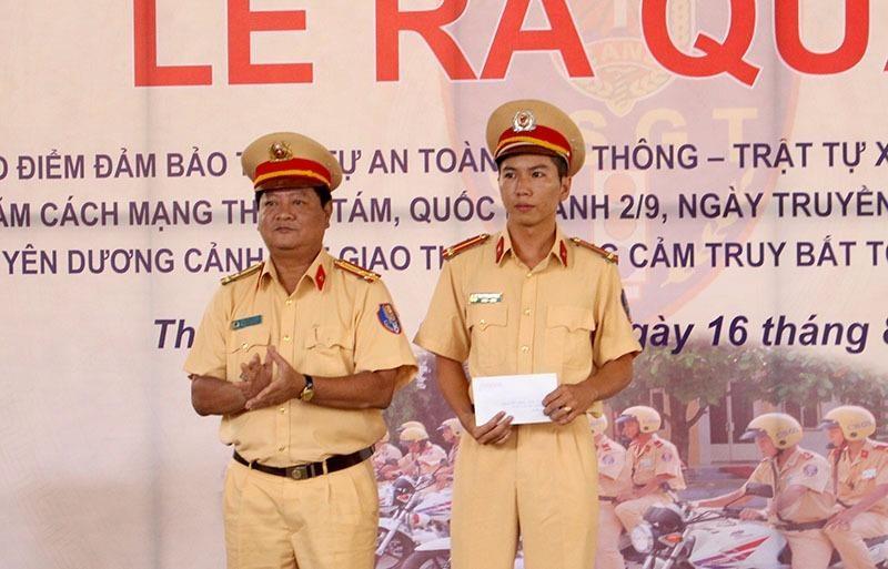 Trung úy Nguyễn Minh Khoa – Cán bộ Đội CSGT Bến Thành