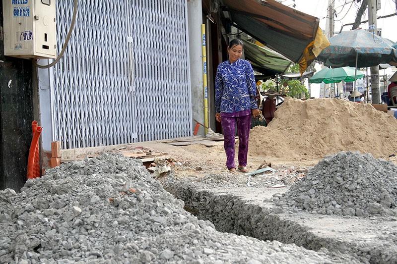 60 hộ buôn bán đóng cửa vì nâng đường Kinh Dương Vương - ảnh 2