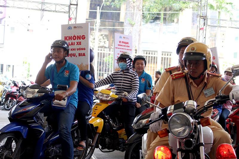 Nồng độ cồn chiếm 70% nguyên nhân tai nạn giao thông - ảnh 4