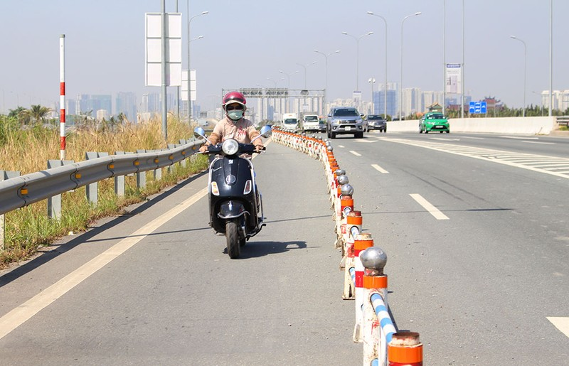 Thưa thớt xe máy đi vào đường dẫn cao tốc Long Thành - ảnh 5