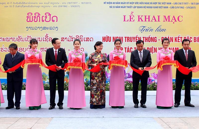TP.HCM triển lãm ảnh tình đoàn kết Việt – Lào