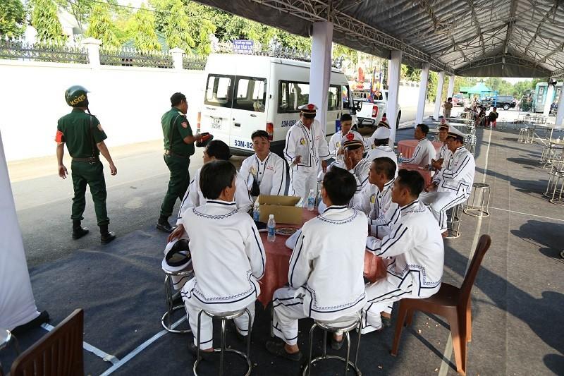 Lực lượng đưa tang đã đến khu vực nhà riêng của cố Thủ tướng Phan Văn Khải.