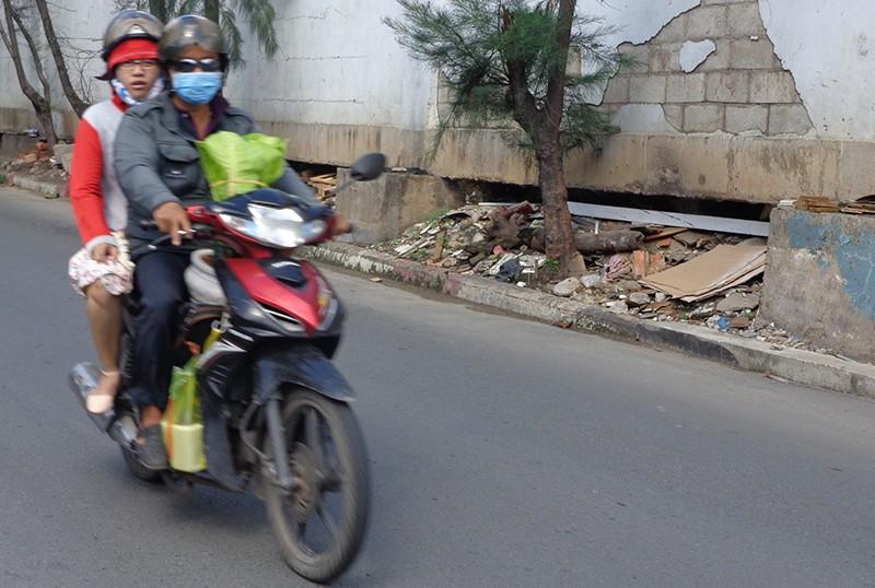 Hạn chế xe để sửa cầu vượt Nguyễn Hữu Cảnh - ảnh 6