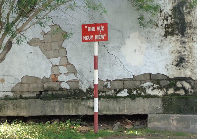Hạn chế xe để sửa cầu vượt Nguyễn Hữu Cảnh - ảnh 7