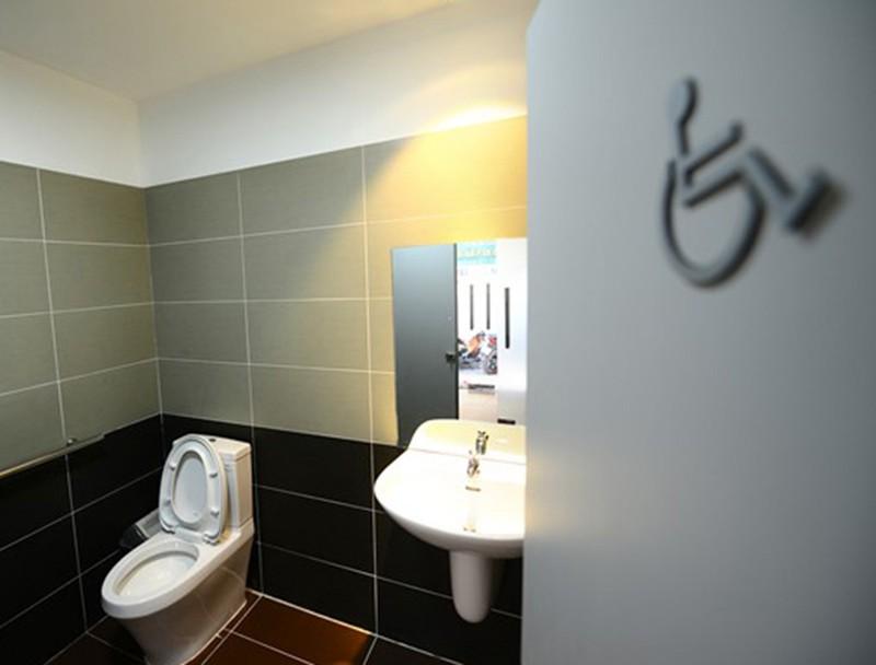 Hành trình văn minh từ... nhà vệ sinh công cộng  - ảnh 8