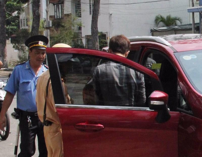 Thanh tra GTVT  các đội thường xuyên phối hợp với các đội CSGT để dừng xe Uber đang chở khách để kiểm tra