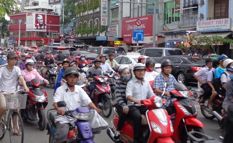 Ngày 24-11, làm hai nhánh lên xuống cầu Nguyễn Văn Cừ - ảnh 3
