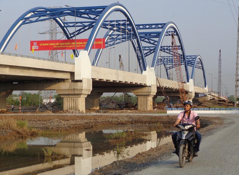 TP. HCM vượt khó, tìm vốn làm thêm nhiều cầu, đường - ảnh 3