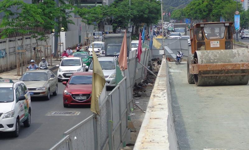 Hai cầu vượt vào sân bay thông xe trước hai tháng - ảnh 3