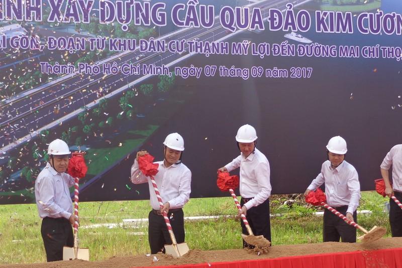 Bắt đầu xây cầu qua đảo Kim Cương - ảnh 1