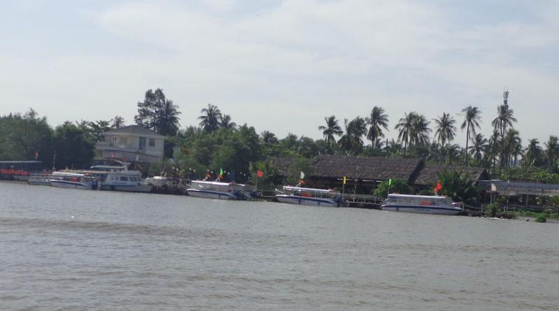 Buýt sông gắn du lịch: 3 thuận lợi, 3 khó khăn - ảnh 5