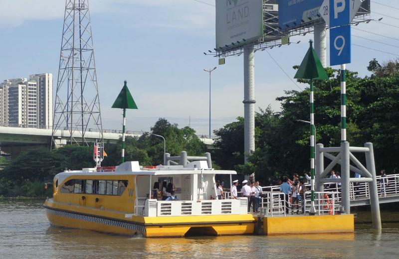 Buýt sông gắn du lịch: 3 thuận lợi, 3 khó khăn - ảnh 7