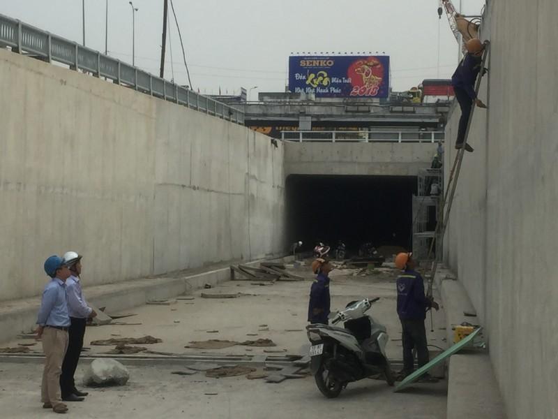 Phóng sự ảnh: Sắp thông xe hàng loạt cầu vượt, hầm chui - ảnh 5
