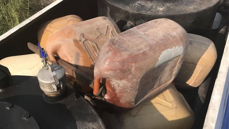 Bộ Công an bắt hơn 30 người rút ruột xăng dầu - ảnh 3
