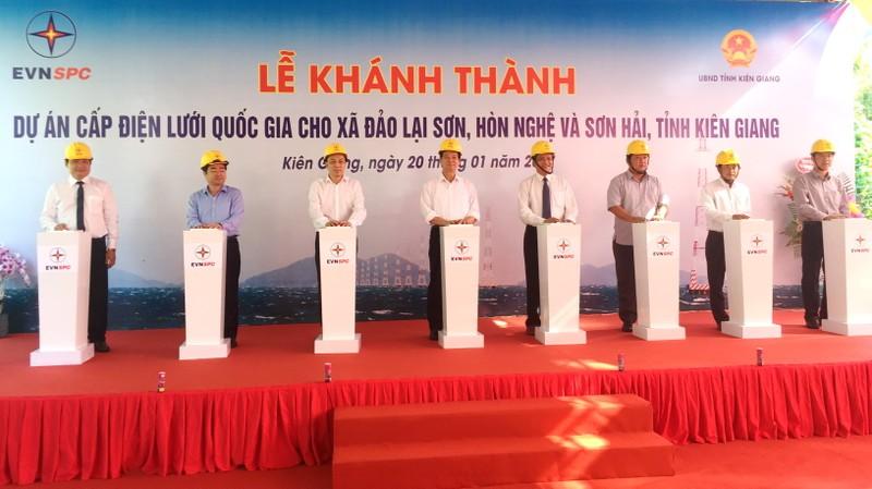 'Xóa bóng đêm' cho hơn 3.040 hộ dân ở đảo Kiên Giang  - ảnh 1