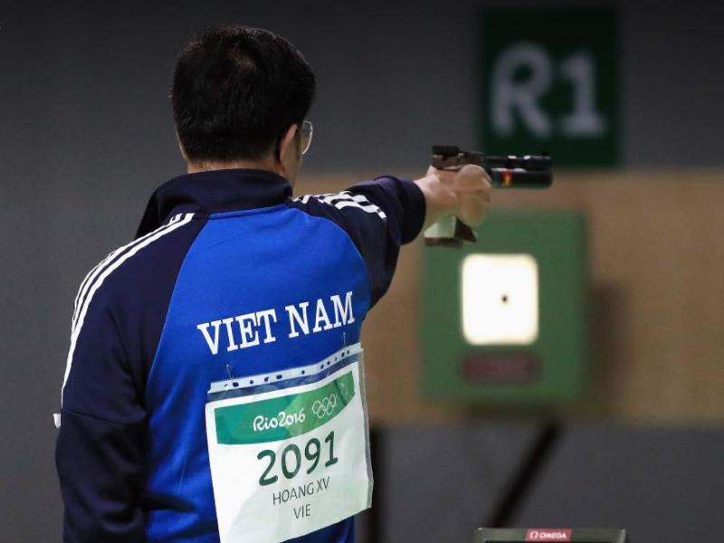 Cú bắn 10,7 điểm đưa Hoàng Xuân Vinh trở thành nhà vô địch Olympic. ẢNH: Olympic Rio