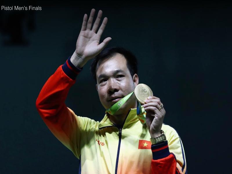 Nhà vô địch 10 m súng ngắn hơn nam Olympic Hoàng Xuân Vinh. ẢNH: Olympic Rio