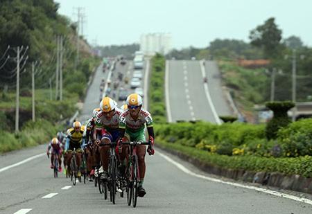 Lê Văn Duẩn thắng chặng khai mạc giải đua xe đạp đồng bằng sông Cửu Long 2016 - ảnh 3