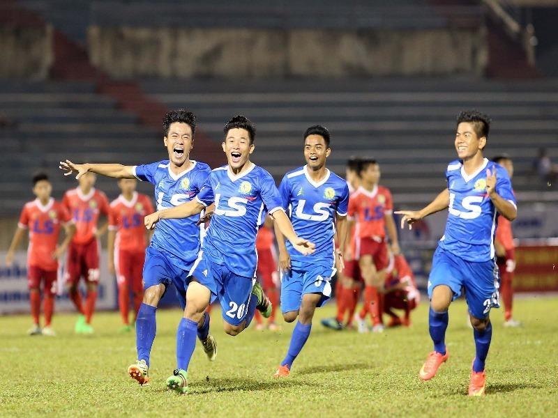 Các cầu thủ trẻ PVF ăn mừng chiến thắng thứ tư liên tiếp có mặt tại trận chung kết giải bóng đá U-17 quốc gia.
