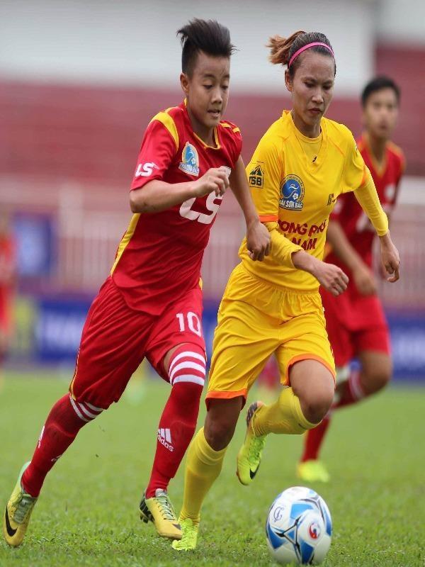 TP.HCM 1 hiện chỉ kém đội đầu bảng Phong Phú Hà Nam 1 điểm cách biệt. ẢNH: CMQ