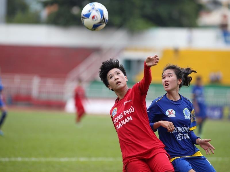 Phong Phú Hà Nam bị Than Khoáng Sản VN cầm chân, cuộc đua tranh giành ngôi hậu tiếp tục sẽ có những diễn biến gay cấn. ẢNH: CMQ
