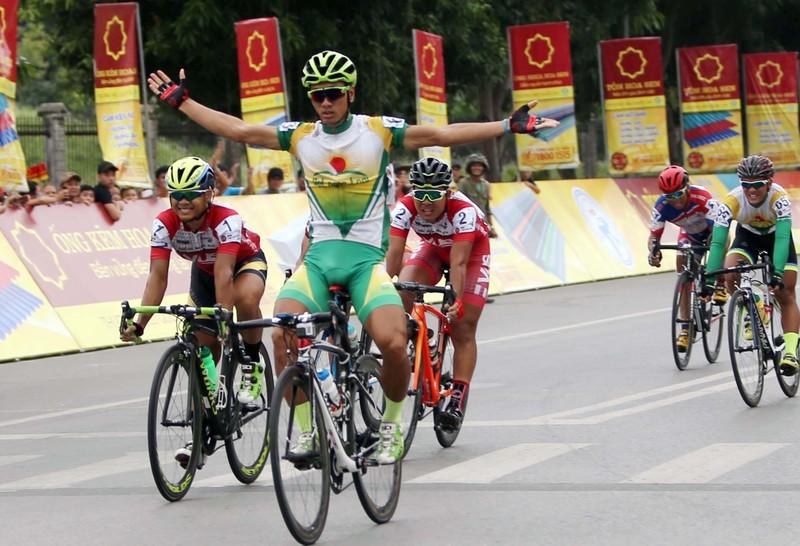 Nguyễn Thành Tâm giành chiến thắng ngoạn mục ở chặng 5 - ảnh 1