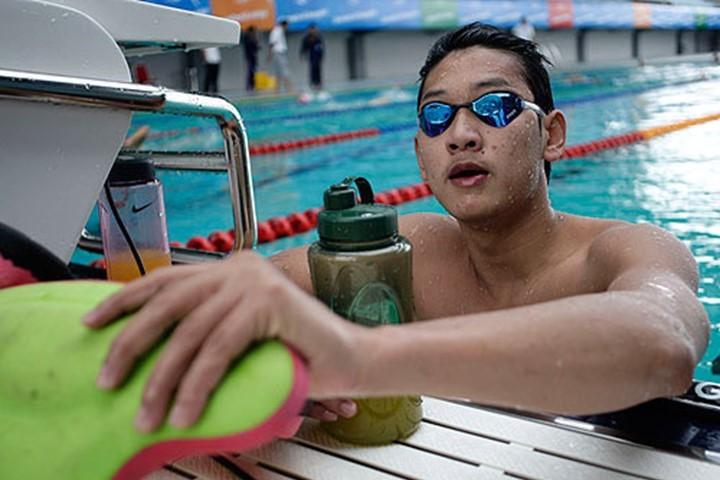Hoàng Quý Phước phá kỷ lục 100 m tự do - ảnh 1