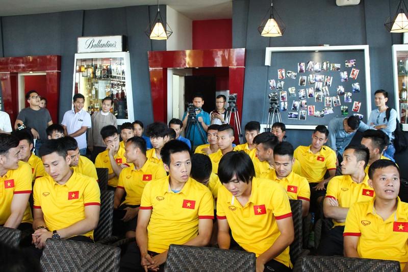 Hữu Thắng kêu gọi người Việt tại Myanmar đến sân cổ vũ - ảnh 3