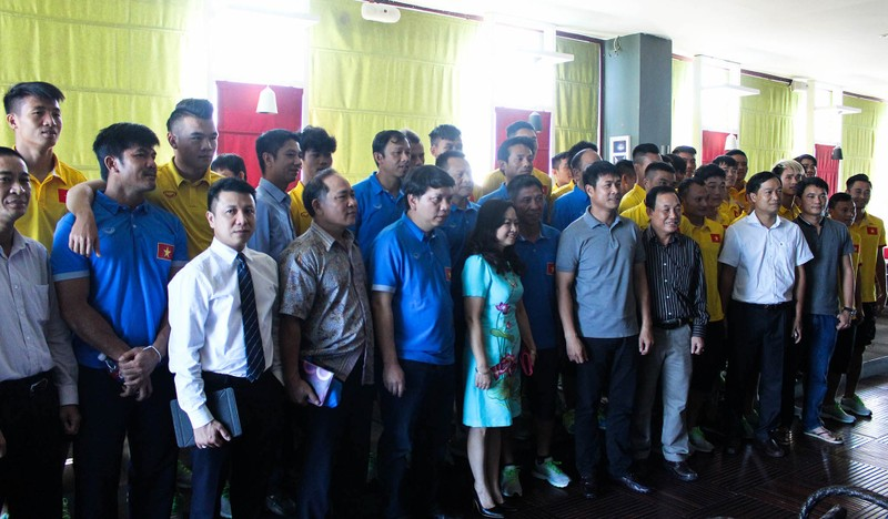 Hữu Thắng kêu gọi người Việt tại Myanmar đến sân cổ vũ - ảnh 5