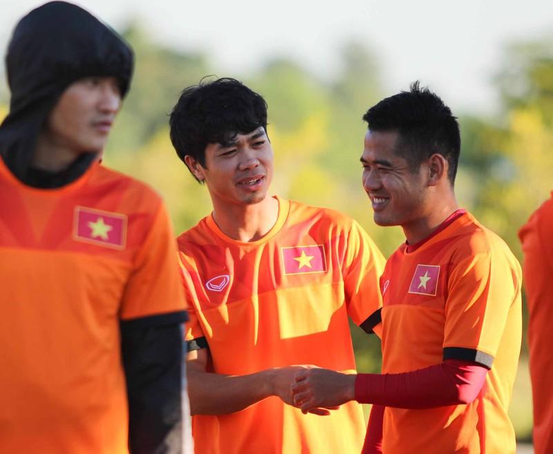Tuyển Việt Nam chơi bóng chuyền bằng chân - ảnh 3