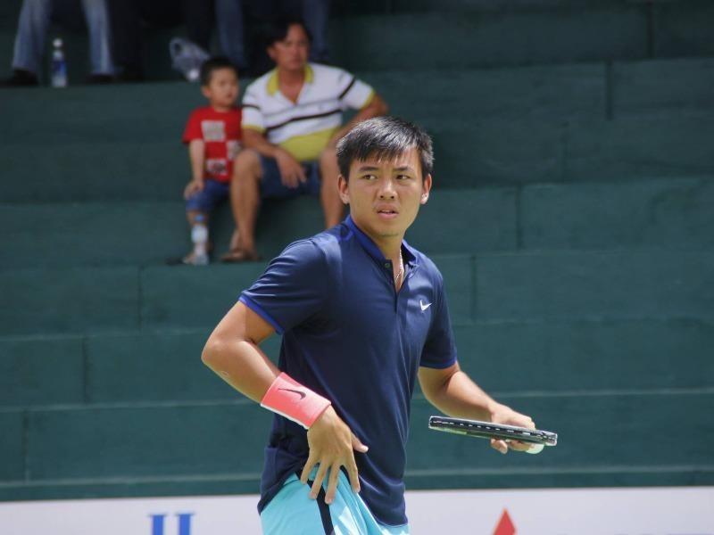 Lý Hoàng Nam sau gần hai giờ chật vật đã giành quyền vào vòng hai giải quần vợt F6 Thái Lan.. ẢNH: MQ