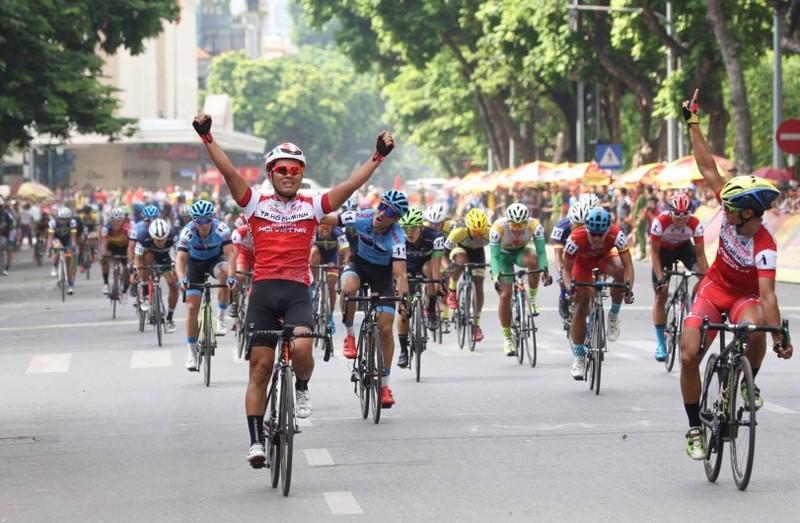 Lê Nguyệt Minh chiến thắng chặng đua hồ Hoàn Kiếm - ảnh 2