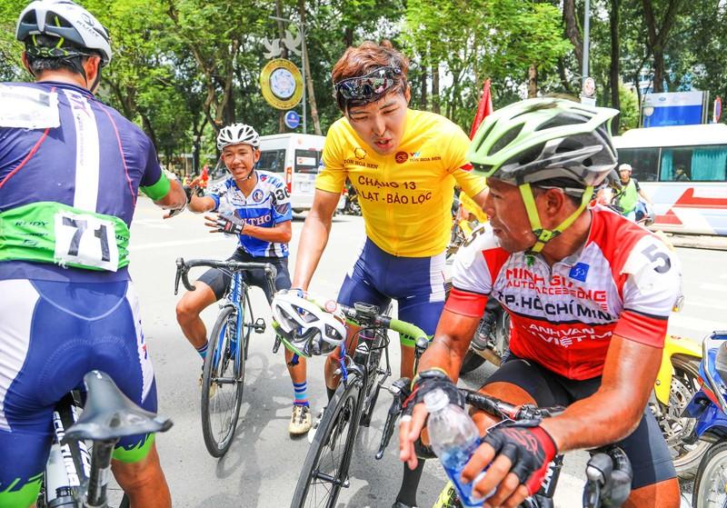 Áo vàng VTV Cup theo Jiung Jang về Hàn Quốc - ảnh 9