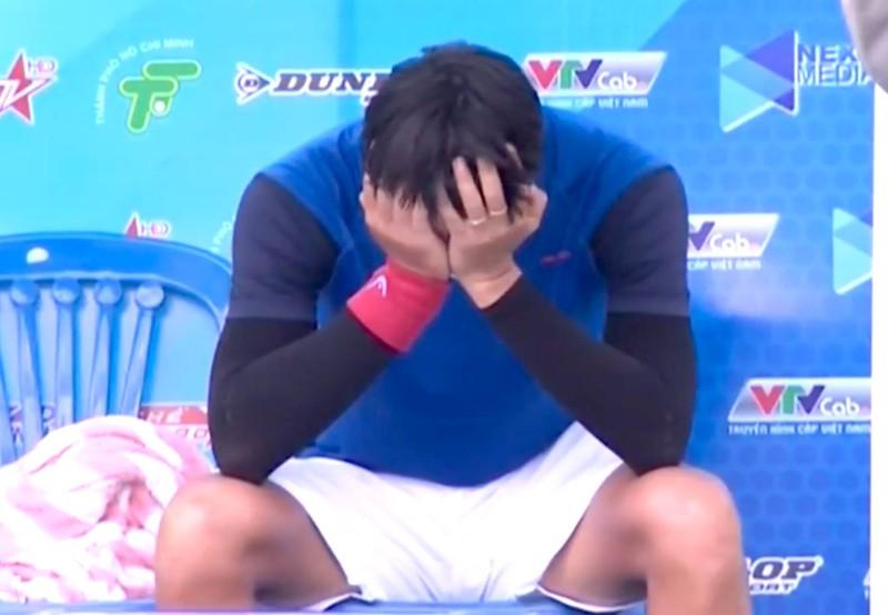 Tay vợt Phạm Minh Tuấn rơi nước mắt lên ngôi vô địch - ảnh 3