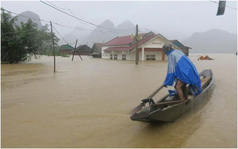 Nhiều nơi ở miền Trung vẫn chưa được cấp điện trở lại - ảnh 1