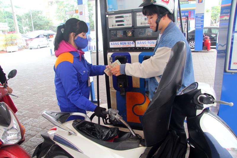 Giá dầu tăng nhẹ trong kì điều hành ngày 19-1. Ảnh: PHI HÙNG
